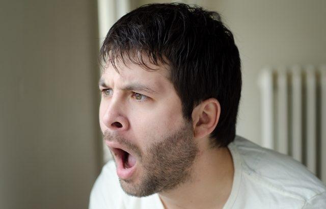 【実践記】ヒゲを全部抜いたら永久脱毛って誰が言った?笑える顛末